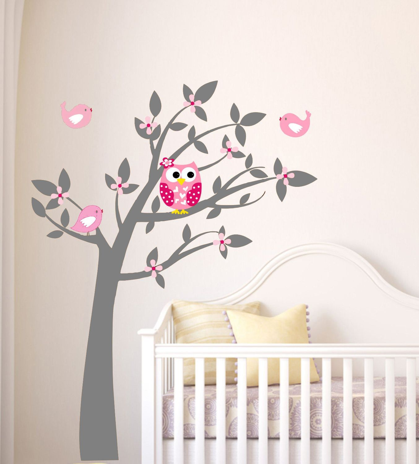 Home / Uil / Uil Boom / Exclusive Muursticker Uil in Boom (grijs roze)